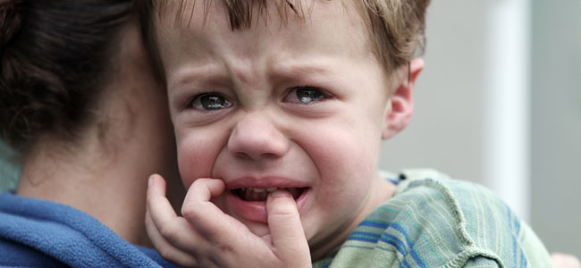 Las consecuencias traumáticas de separar a un niño de sus padres a la fuerza