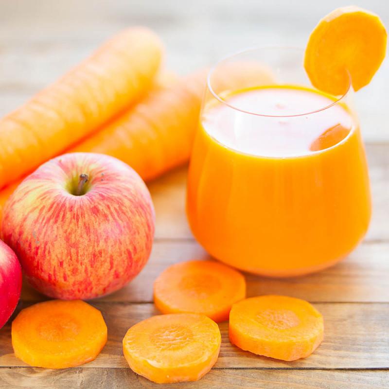 Zumo De Zanahoria Manzana Y Naranja Lleno De Vitaminas 100 gramos de alimentos para bebés, zanahorias, infantil contiene 5,2 gramos de carbohidratos, 2,3 gramos de fibra, no tiene proteína, 48 miligramos de sodio, y 93,50 gramos de agua. zumo de zanahoria manzana y naranja