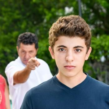 7 errores comunes que cometemos con los hijos adolescentes