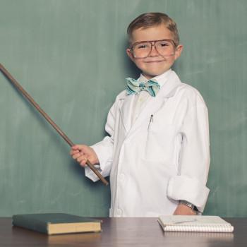 7 recursos educativos para que los niños aprendan física en casa
