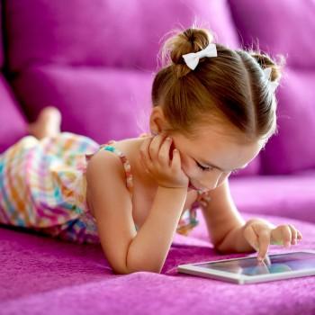 Cómo ayudar a un niño con adicción a la tablet o el móvil