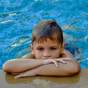 El cloro de las piscinas y los niños