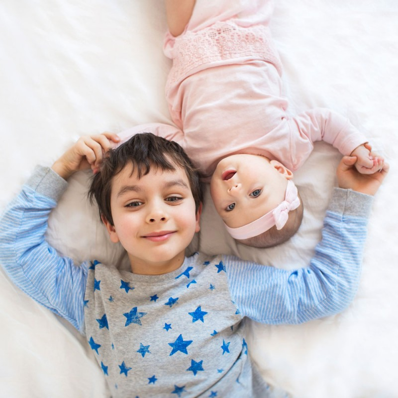 5 ideas para enseñar al niño a ser un buen hermano