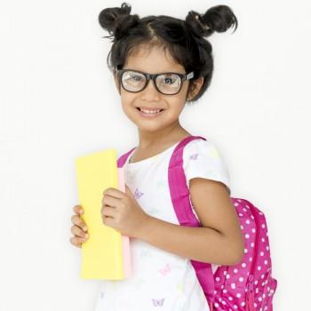 Etiquetas personalizadas caseras para el material escolar de tu hijo