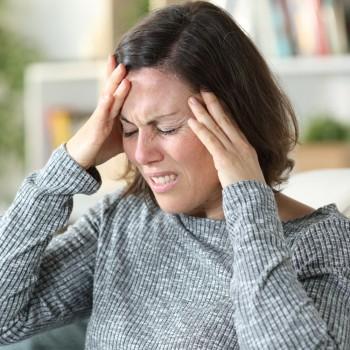 Qué es la hipertensión posparto y cómo se manifiesta en la mujer