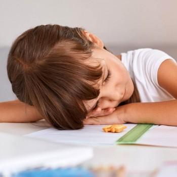 Cómo ayudar al niño a combatir el estrés escolar