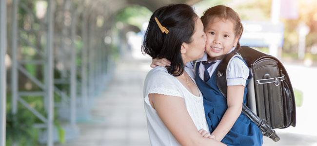 Tipos de madres que encontrarás a las puertas del colegio