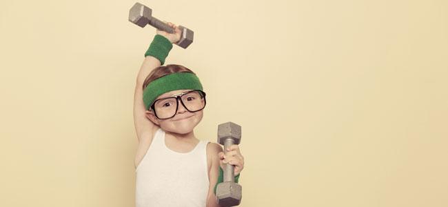 Ventajas y desventajas de hacer pesas para los niños