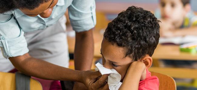 Consejos para prevenir los catarros de los niños en época escolar