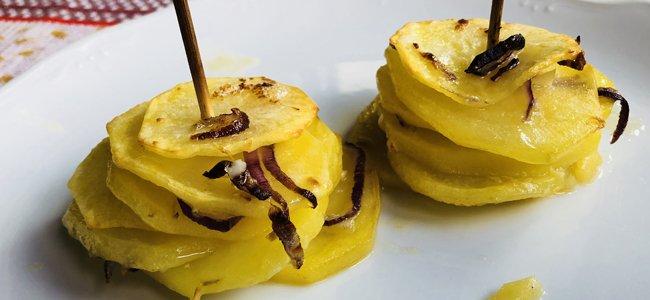 Prepara esta receta de una suculenta torre de patatas
