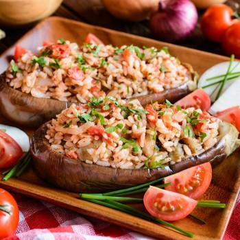 Receta de berenjenas rellenas de arroz y verduras