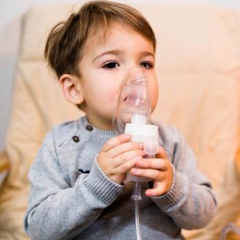 Causas, síntomas y complicaciones de la neumonía en niños según su edad