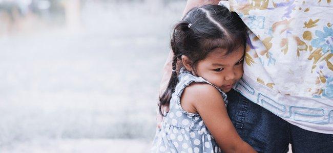 Cómo lidiar con los niños que piden ayuda para todo