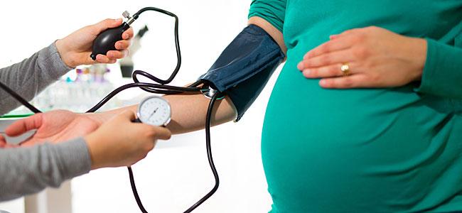 Riesgos de la preeclampsia para la embarazada y el bebé
