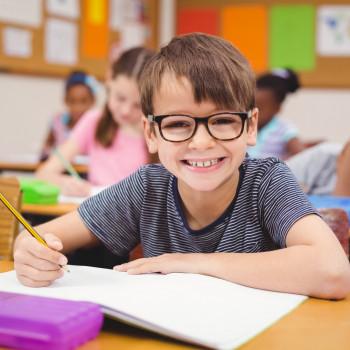 Dictados cortos sobre la amistad para que los niños repasen ortografía