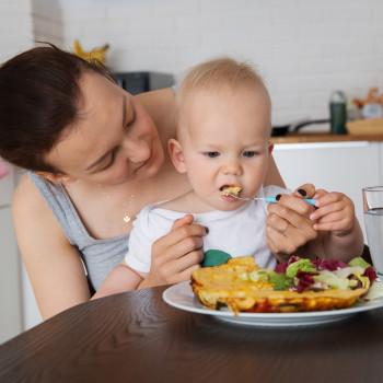 Introducción de alimentos sólidos en la dieta del bebé