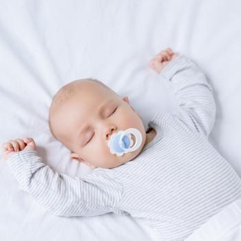 Cómo afecta la salida de los dientes al sueño del bebé