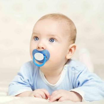 El chupete puede provocar otitis en bebés