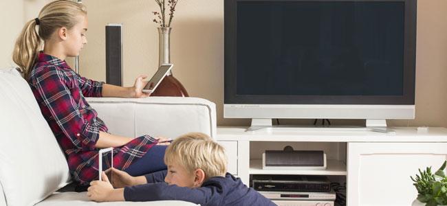 Por qué solo debes usar las nuevas tecnologías en el salón de casa