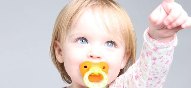 Beneficios e inconvenientes del chupete en los niños