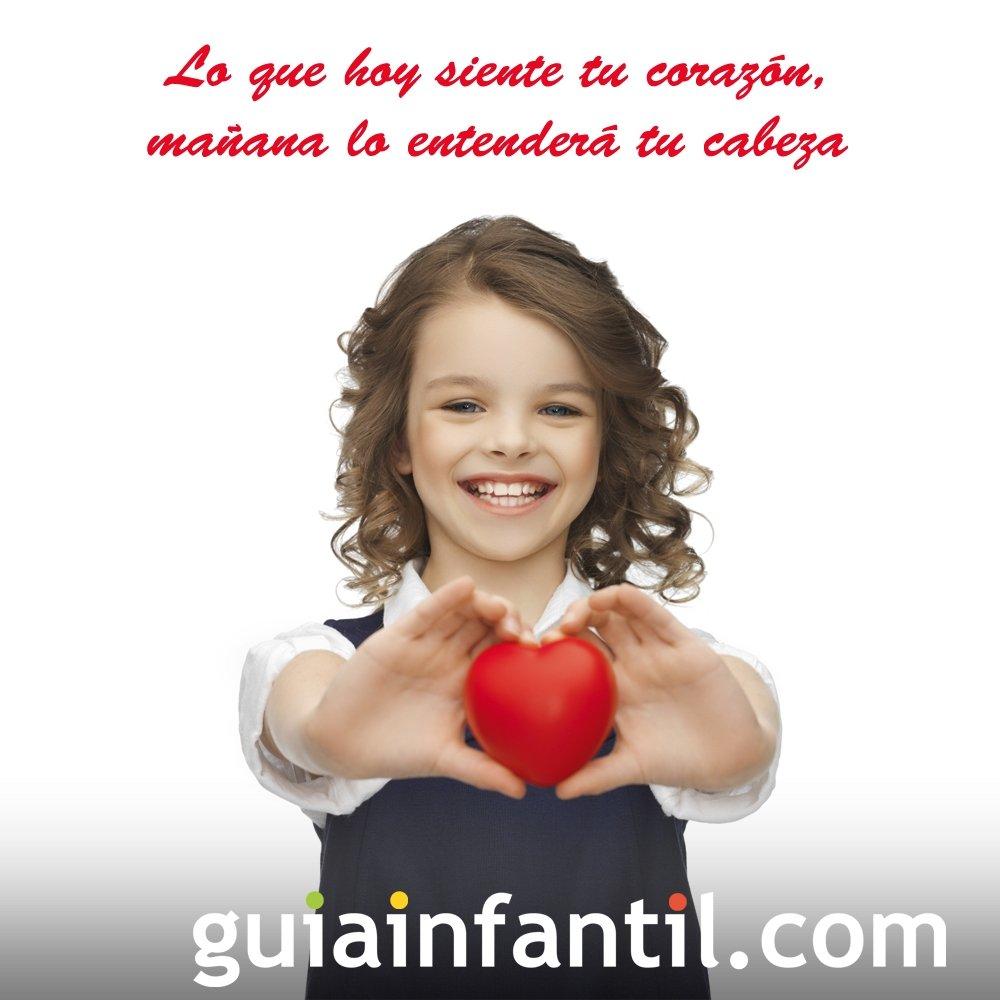 Nina Con Un Corazon Frases De Amor Para Motivar