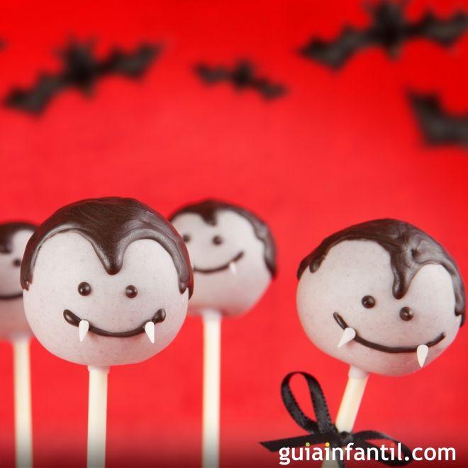 Cake pops con forma de Drácula para Halloween