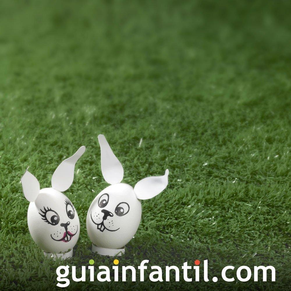 Decorar huevos de Pascua: pareja de conejos