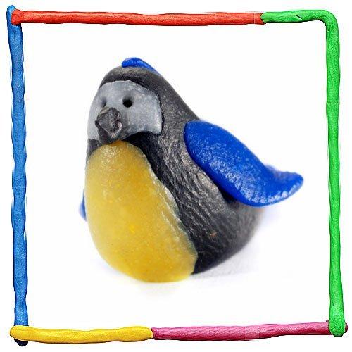 Pájaro de plastilina. Animales de granja