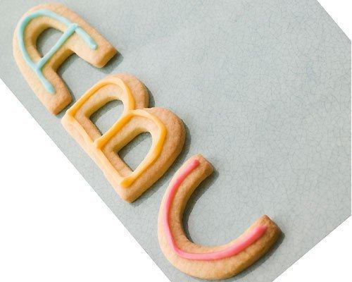 Aprender el ABC haciendo galletas en la cocina