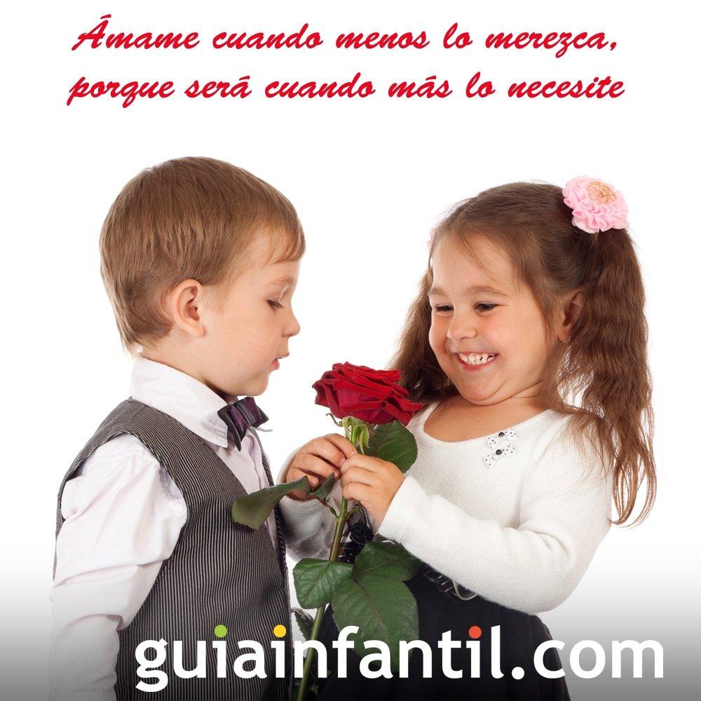 Niños con una rosa. Frases de amor para motivar