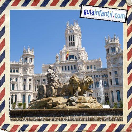 Plaza de Cibeles. Viajar a Madrid con los niños
