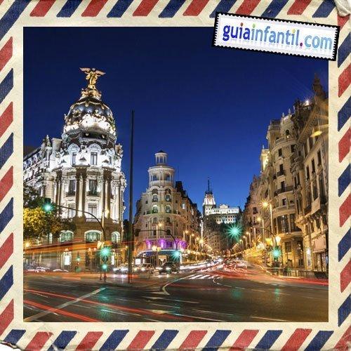 Gran Vía madrileña. Viajar a Madrid con niños