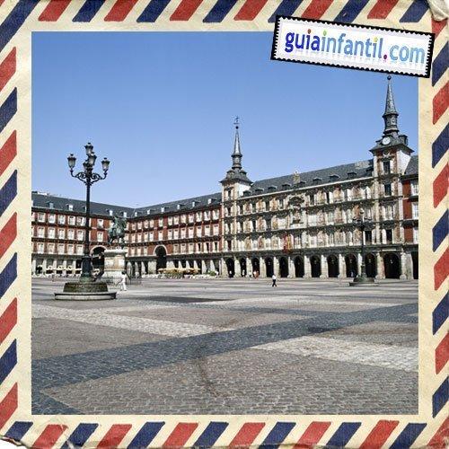 Plaza Mayor. Viajar a Madrid con los niños