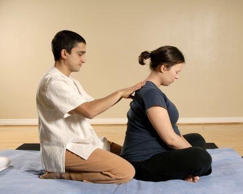 11. Liberar las tensiones de la espalda de la embarazada