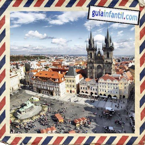 Plaza de la Ciudad Vieja. Viajar a Praga con los niños
