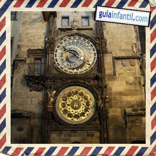 Reloj astronómico. Viajar a Praga con los niños