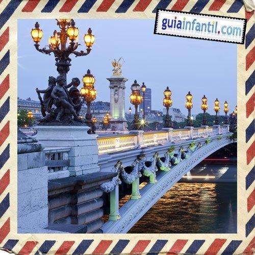 Puente de Alejandro III. Viajar a París con los niños
