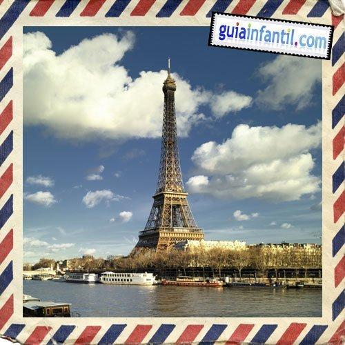 La Torre Eiffel. Viajar a París con los niños