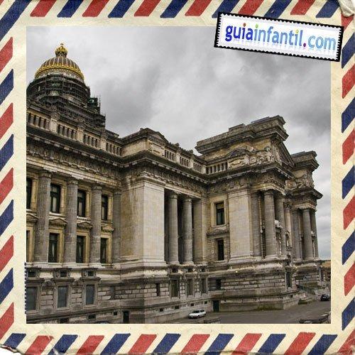 Palacio de Justicia. Viajar a Bruselas con los niños
