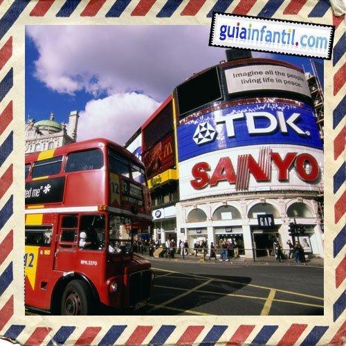 Picadilly Circus. Viajar a Londres con los niños