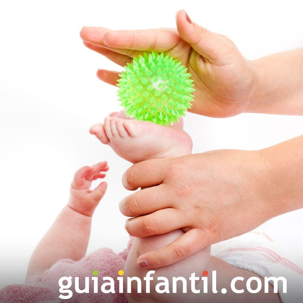Paso 9. Masajes Shantala con pelota a tu bebé
