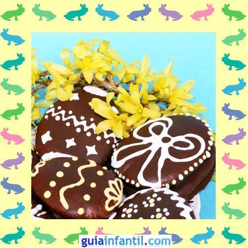 Galletas de Pascua decoradas. Huevos de chocolate