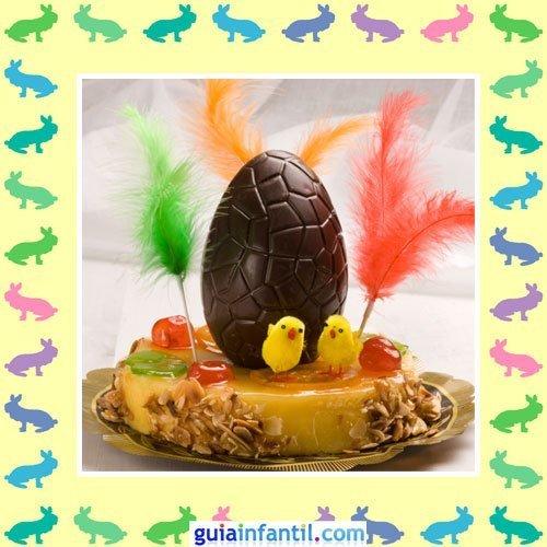 Tartas de Pascua decoradas. Pastel con mona de Pascua
