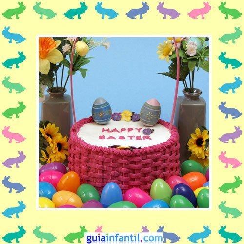 Tartas de Pascua decoradas. Pastel en una cesta