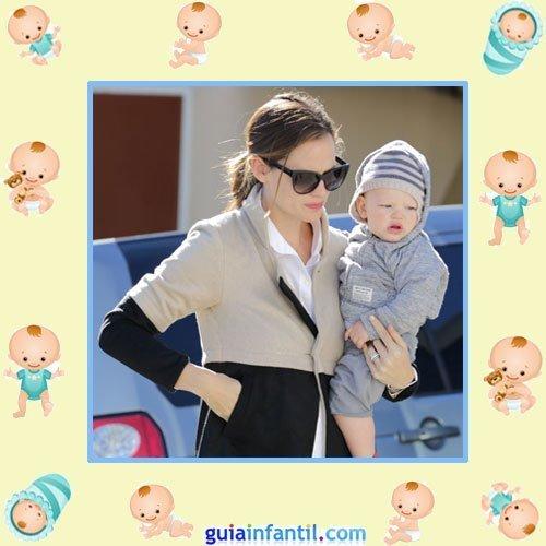 La actriz Jennifer Garner con su tercer hijo Samuel