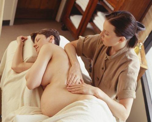 Masaje en la zona renal para embarazadas