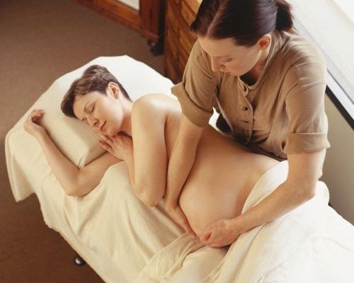Masaje de abdomen para embarazadas