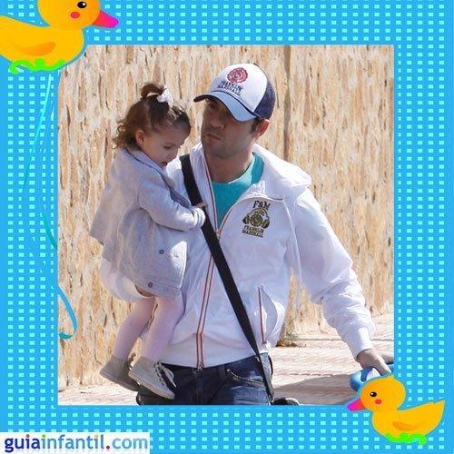 El cantante David Bisbal con su hija Ella