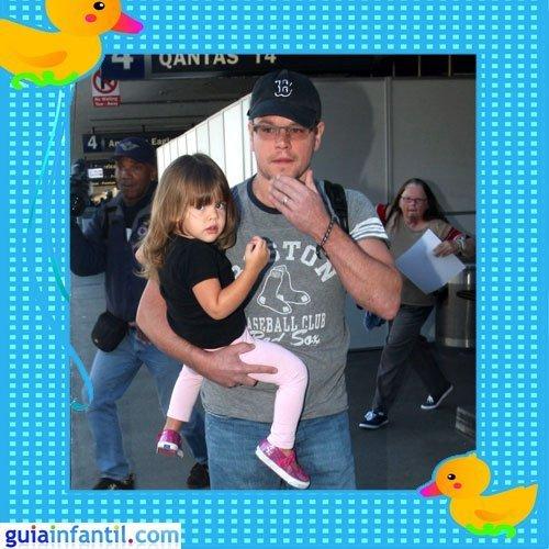 El famoso actor Matt Damon con su segunda hija Gia