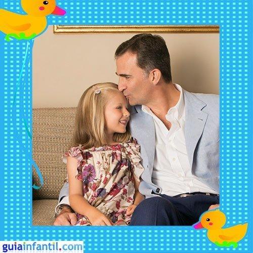 El Príncipe de Asturias Don Felipe con la infanta Leonor